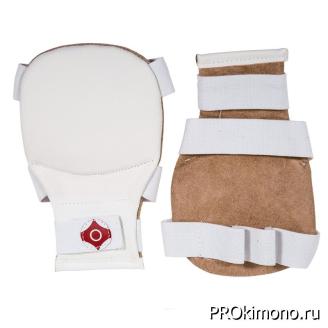 Накладки детские для карате Киокушинкай белые канку красный натуральная кожа